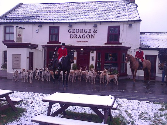 Νιούτον Έικλιφ, UK: South Durham Hunt at the George & Dragon Heighington Village