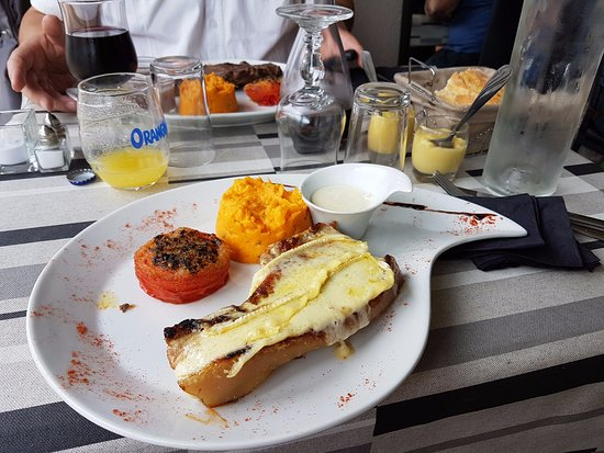 Rochefort du Gard, France: le plat