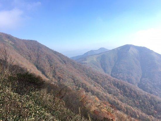 Chugoku, Jepang: 上蒜山から見た中蒜山