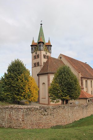 Église Saint-Georges de Châtenois : See the colorful tiled roof of the Bell Tower and the Double Wall Fortification