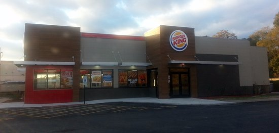 Bensenville, IL: entrance to Burger King from parking lot