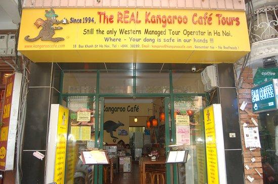 Kangaroo Cafe : the front