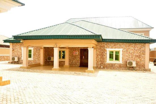 Jalingo, Nigeria: Cedar Suites