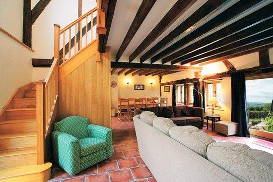 Highgate Cottages: Living Area