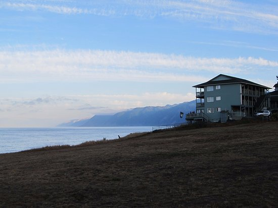 Shelter Cove, CA: view of the Inn