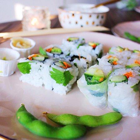 restaurant sushi chiwa dans lille avec cuisine japonaise. Black Bedroom Furniture Sets. Home Design Ideas