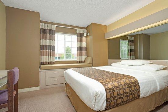 Microtel Inn & Suites by Wyndham Eagan/St Paul: Queen Suite