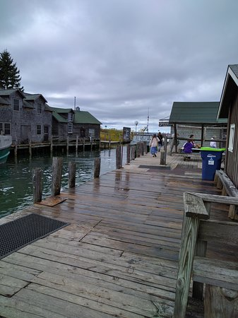 Leland, MI: Quaint shops along the dock