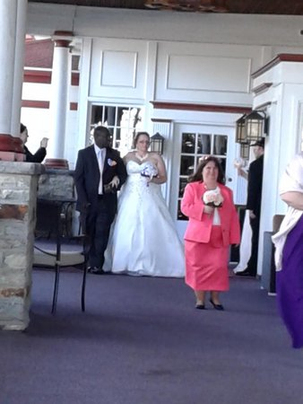 Historic Summit Inn: here comes bride 1