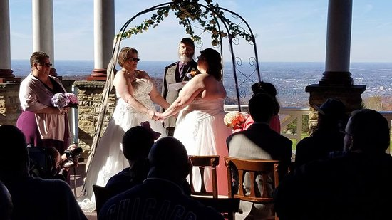 Historic Summit Inn: wedding vows