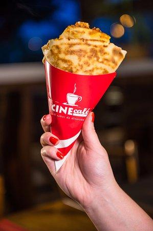Cine Café & Creperia: Crepe De mão!