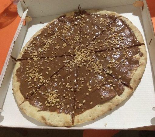 AmaLaPizza : Pizza con Nutella e nocciole