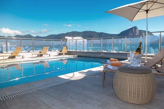 Ipanema Plaza Hotel: Pool