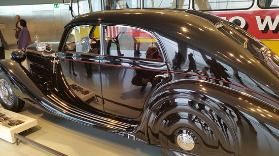 Mercedes-Benz Museum: 20161110_113535_large.jpg