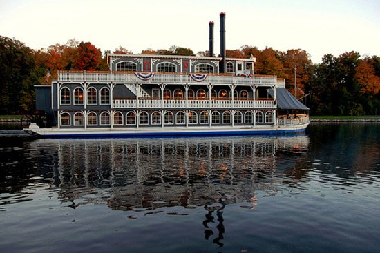 Grand Ledge, MI: The Michigan Princess Cruising past moore's river drive.