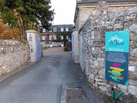 Saint-Jacut-de-la-Mer, Fransa: Entrée extérieure