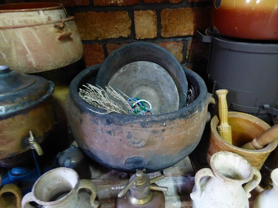 Pothia, กรีซ: traditional household items