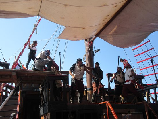 great dinner!!!! great music!! - Picture of Pirate Ship