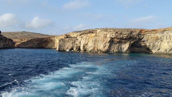 Bugibba, Μάλτα: leaving comino
