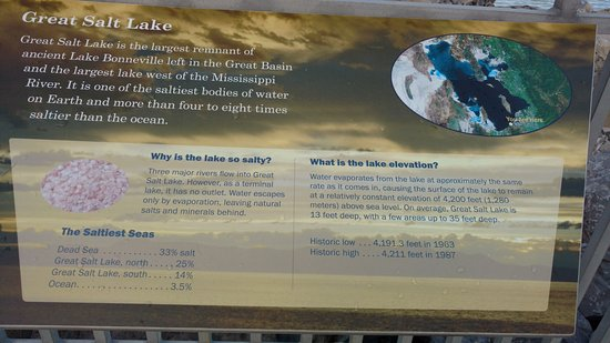 Great Salt Lake: Cartaz que se encontra no local.