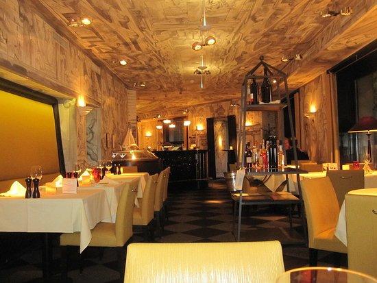 Restaurant opera picture of restaurant opera zurich for Seafood bar zurich