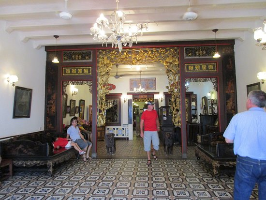 Peranakan House: Foyer