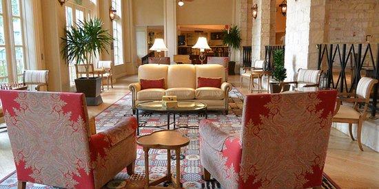 Hyatt Regency Hill Country Resort and Spa: Lobby enorme.