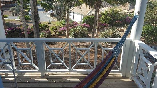 Hangmat Op Balkon : Heerlijk balkon met hangmat foto van chogogo resort willemstad