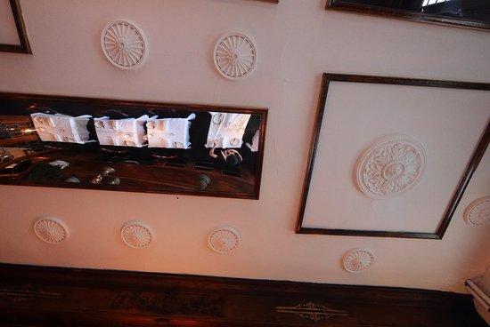 Lambertville, NJ: Dining room ceiling!