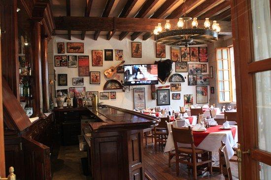 Restaurante Mesón Puerto Chico: Bar El Faro