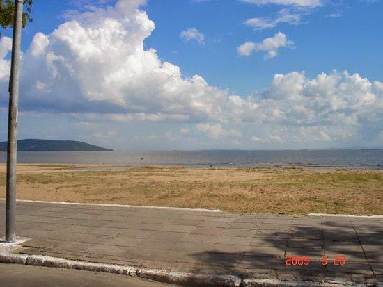 State of Rio Grande do Sul: Melhor visão do Rio encontrando o mar