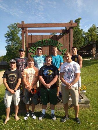 Hines, Миннесота: High School Friends