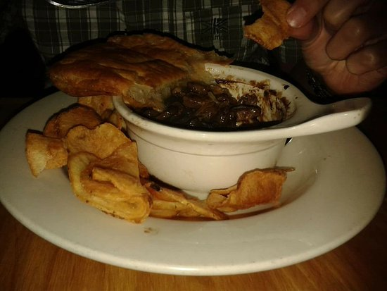 Ellsworth, ME: Pie and chips (aka crisps!)