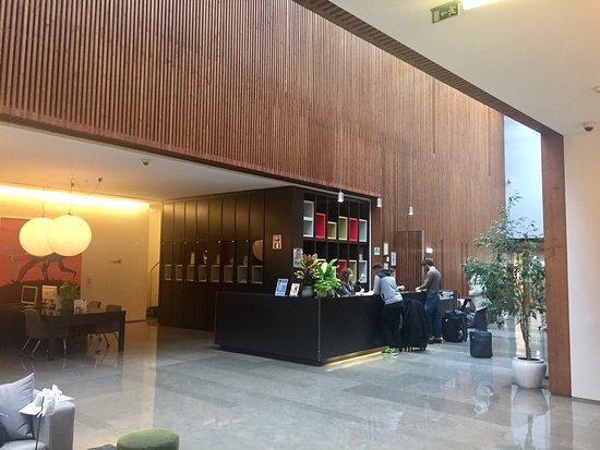 Chambre 406 et hall d\'entrée au design majestueux. - Picture of ...