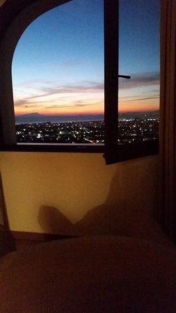 Villa Palmentiello: Soleil couchant, un spectacle depuis la fenêtre...