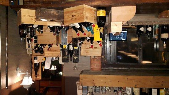 Gattico, Italy: L'angolo dei vini