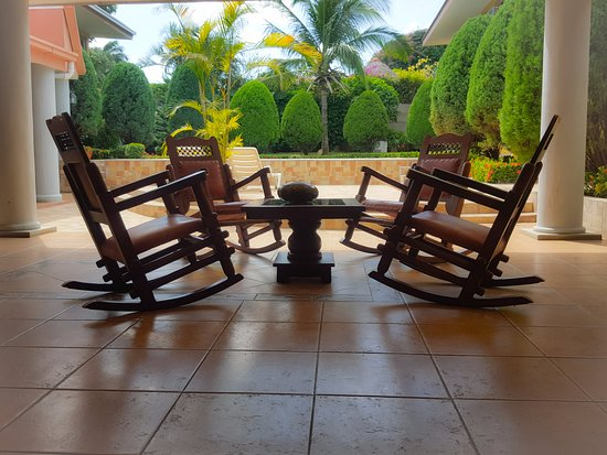 أوتيل لوس بينوس: Terraza para compartir y con vista a la piscina 