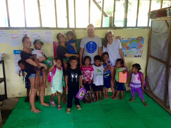 La Loma Jungle Lodge and Chocolate Farm: Bahia Honda Preschool (operated by Give and Surf NP)