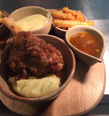 Wigmore, UK: Amazing lamb shank from new menu