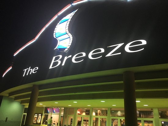 The Breeze Cinema 8