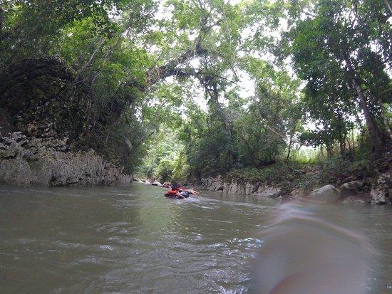 Cuevas de B'omb'il Pek y Jul Iq': River Tubing