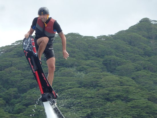 Vaiare, French Polynesia: initiation hoverboard