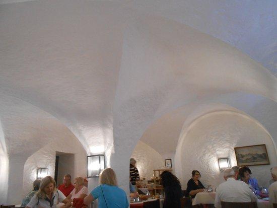 Barock Hotel am Dom: Espacio para desayunar.