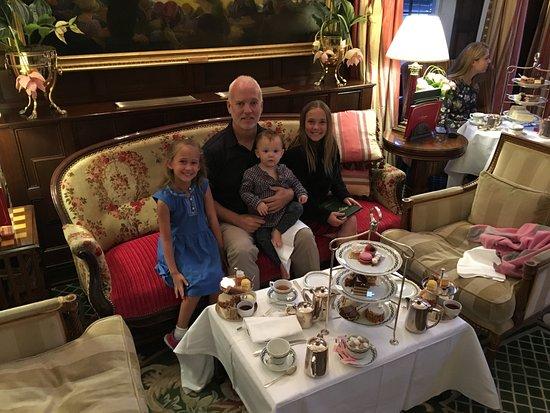 The Milestone Hotel: Afternoon Tea ;-)