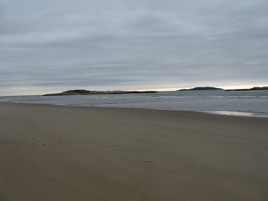 Phippsburg, ME: Wide, sandy beach with nice views.