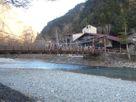 Kappa Bashi: ホテルから見た河童橋