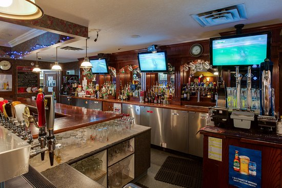 Finns Irish Pub Saskatoon Central Business District Restaurant Reviews Photos Phone Number Tripadvisor