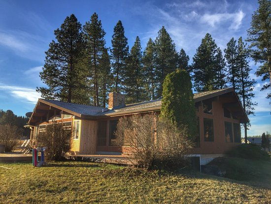 Photo of Cougar Ranch Bed and Breakfast Missoula