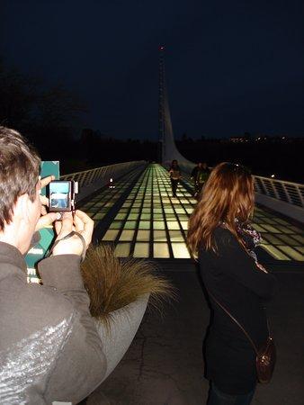 Sundial Bridge at night
