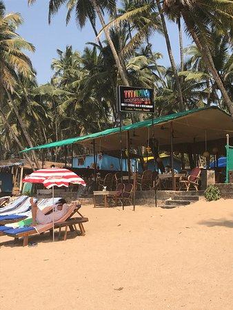 titanic beach shack